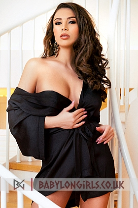 Natalia sexy brunette, 34DD