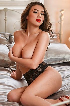 5ft 4, 34DD, alluring brunette Natalia