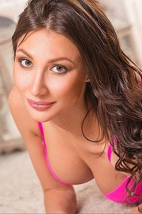Nina, 32B, alluring brunette 23 yrs