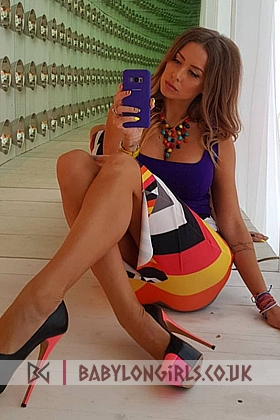Irresistible Agnezka brunette 5ft 8, 34C