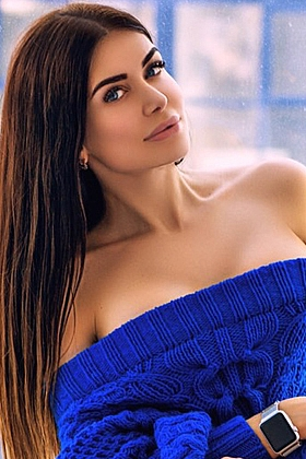 Seductive Kaja brunette 5ft 8, 34C