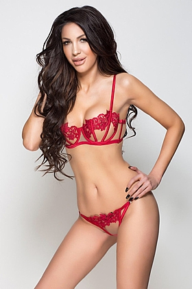 Jenisson, 34C, captivating brunette 26 yrs