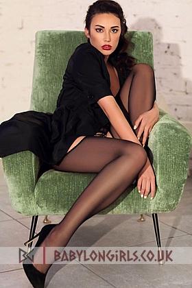 Attractive Mantia brunette 5ft 8, 34C