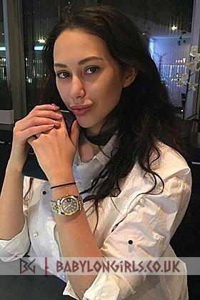 Mantia, 34C, seductive brunette 22 yrs