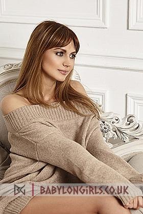 Dorote , 34B, sensitive brunette 24 yrs