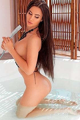 Aines gorgeous brunette, 34D