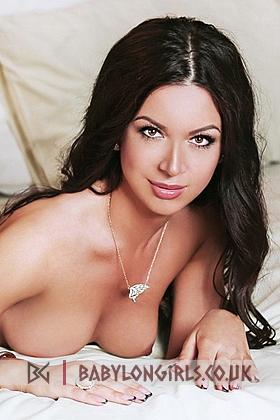 Adelle captivating brunette, 34B