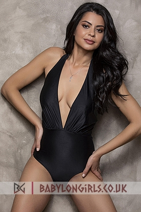 Captivating brunette Tiziana