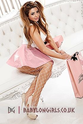 5ft 5, 34DD, sexy brunette Ludmilla