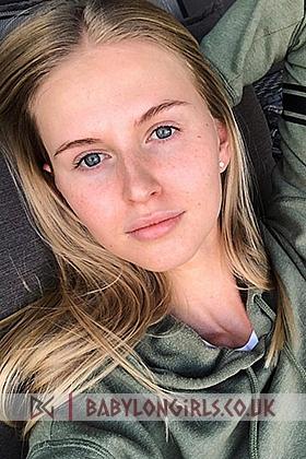 Sasha, 34B, active blonde 23 yrs