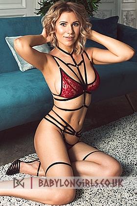 Estell sexy blonde, 34C