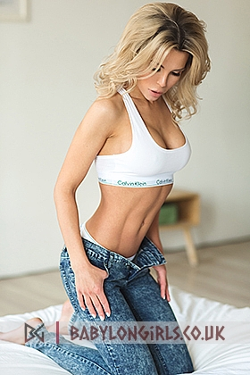 Audrey, 34D (Natural), sexy blonde 23 yrs