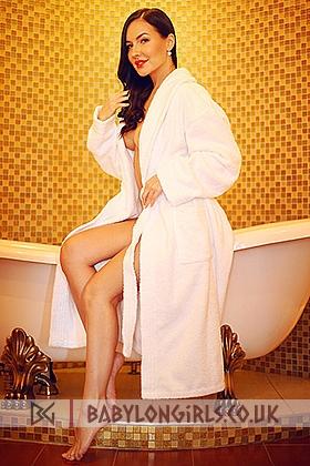 Gorgeous brunette Lexi