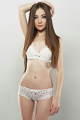 20 yrs Alika gorgeous brunette, 32B