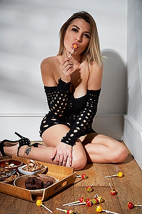 Marika, 34C, sexy blonde 20 yrs
