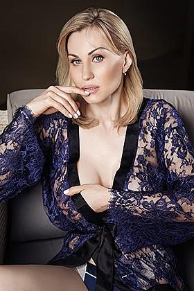 28 yrs Alima beautiful blonde, 34E