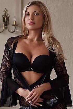 24 yrs Nikikta irresistible blonde, 34C