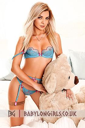 20 yrs Amber seductive blonde, 34B