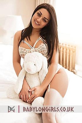 21 yrs Jenifer excellent brunette, 36B