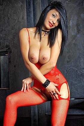 Loreny, 36C, irresistible brunette 25 yrs