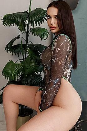 Dalika bewitching brunette, 36C