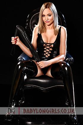 20 yrs Amelia alluring blonde, 34C
