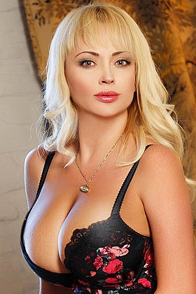 Alex captivating blonde, 36D