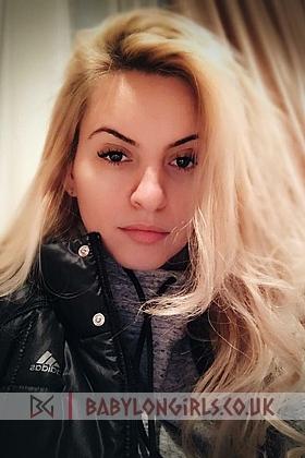 5ft 5, 34D, alluring blonde Gemma