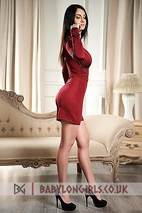 5ft 8, 34D, love affair brunette Marina
