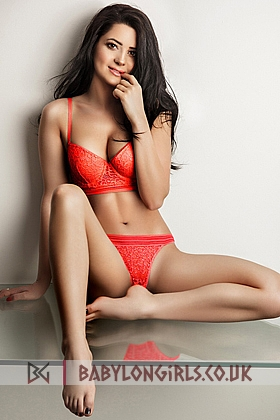 23 yrs Antonia gorgeous brunette, 34B