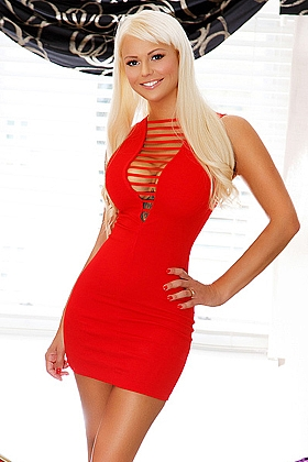 Attractive Elita blonde 5ft 7, 34D