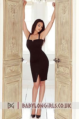 Gorgeous Sophi brunette 5ft 7, 32D
