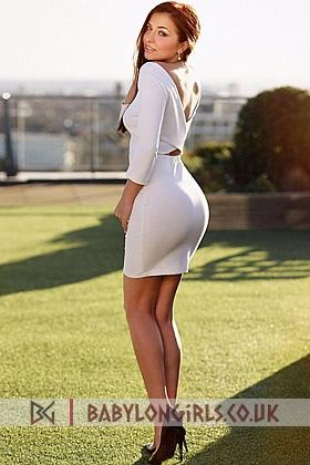 5ft 7, 34C, irresistible brunette Esme