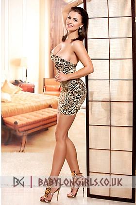 Irresistible Linda brunette 5ft 5, 34D