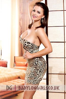 24 yrs Linda captivating brunette, 34D