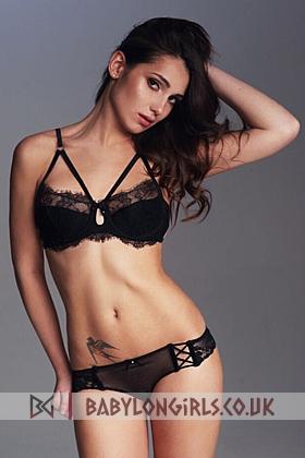 20 yrs Melita seductive brunette, 34B