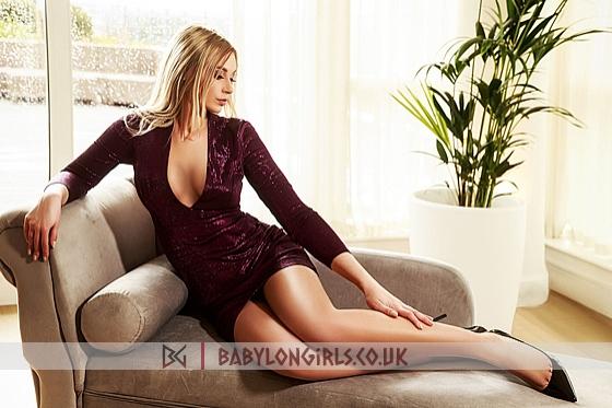 Evette, 32B, sexy blonde 22 yrs