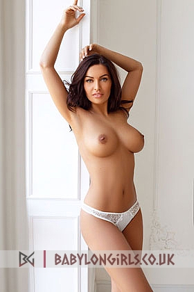 Eisvina captivating brunette, 34D