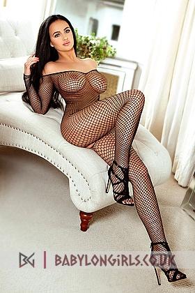 5ft 7, 34DD, seductive brunette Didi