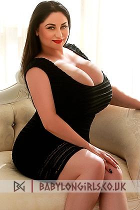 Passion Amisha brunette 5ft 7, 36K