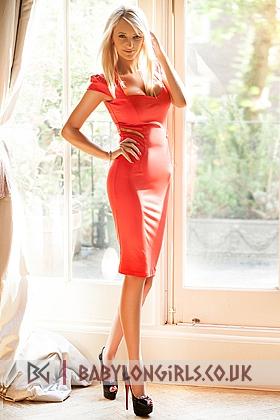 5ft 5, 32D, attractive blonde Clarissa