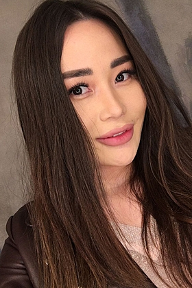 Beautiful Lily brunette 5ft 7, 34C