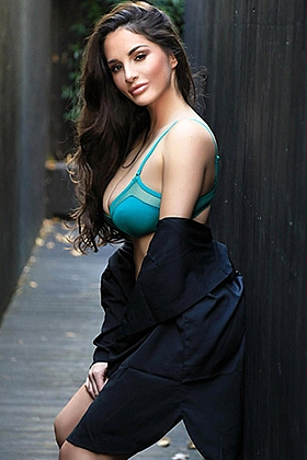 Arlene beautiful brunette, 34D
