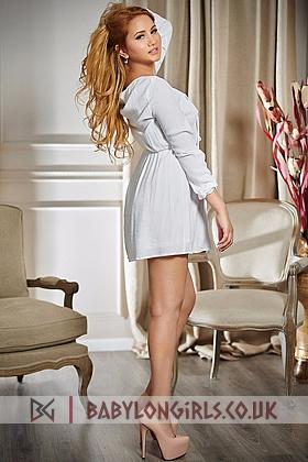 Alluring Evellina brunette 5ft 4, 38B