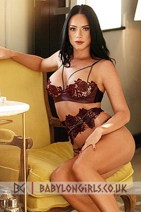 5ft 8, 36D, alluring brunette Georgiana
