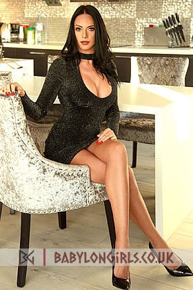 Seductive Georgiana brunette 5ft 8, 36D