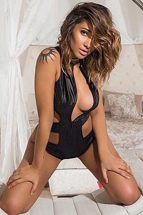 Idelle gorgeous brunette, 34D