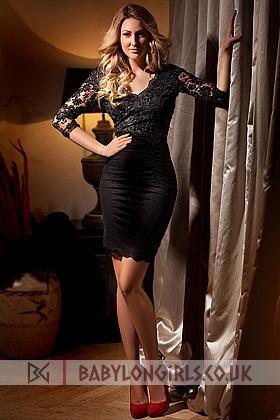 Adele captivating blonde, 34C