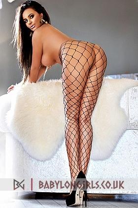 Sexy Vitoria brunette 5ft 7, 36D