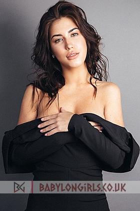 21 yrs Leonida sexy brunette, 34B